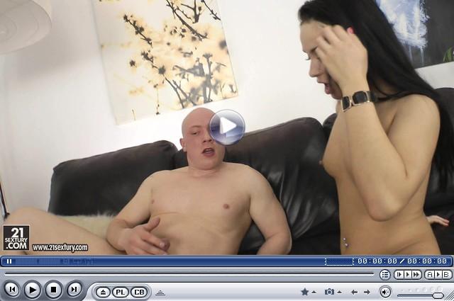 порно видео хозяйка наказала квартиранту